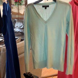 Banana Republic szS baby blue v-neck sweater ⭐️